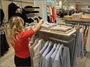 Брянские школьницы пытались украсть одежду в торговом центре