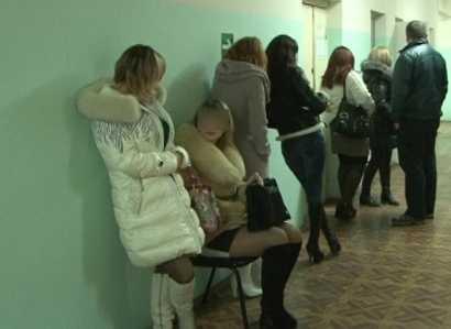 Брянская полиция за одну ночь  задержала 26 проституток