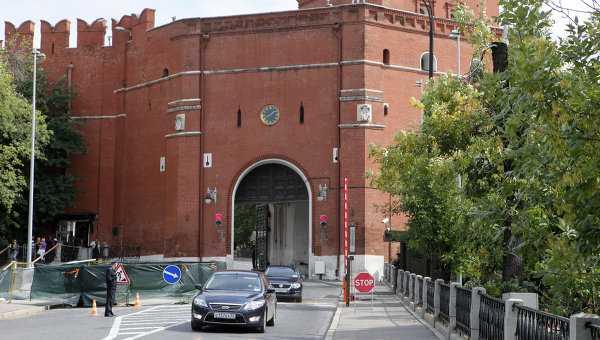 Брянец ехал к папе, а попал в Кремль