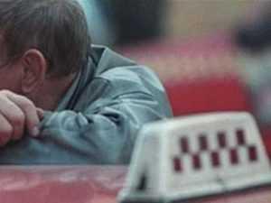 Брянская полиция задержала таксиста, избившего и ограбившего пассажирку