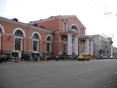 Возле вокзала «Брянск – I» столкнулись две легковушки