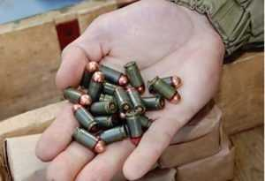 Брянского полицейского-водителя задержали за хранение боеприпасов