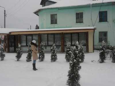 Дом в Жуковке против воли жильцов опоясали пивным баром