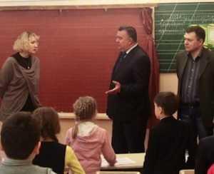 Учителя брянской школы пожаловались властям на грязь и воду по колено