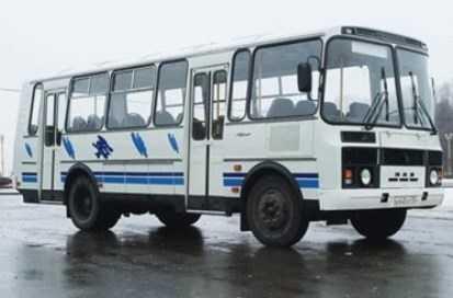 В Комаричах автобус переехал пенсионерку, сломав ей ногу