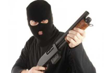 В Брянске вооружённые разбойники пытались ограбить ларёк