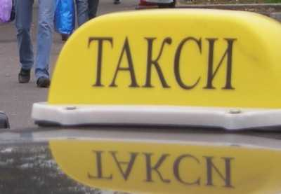 В Брянске таксист протаранил конкурента
