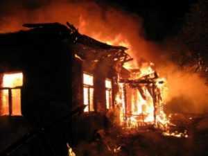 Молодой брянец погиб при пожаре в своём доме