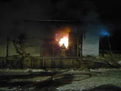 В Брянске огонь уничтожил склад