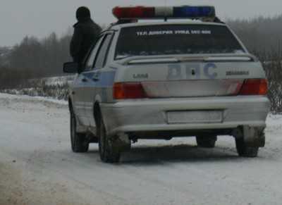 Под Почепом москвич врезался в столб и попал в больницу