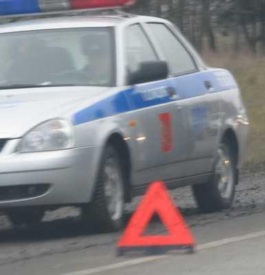 Житель города Фокино залетел на автомобиле под «Мерседес»