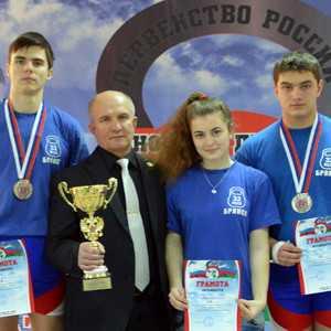 Клетнянский гиревик Евгений Иванов победил на первенстве России