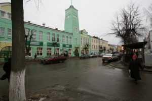 Жителей Клинцов пустили тараном на депутата Госдумы