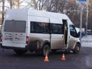 Брянские гаишники задержали маршрутчика, устроившего цирк на дороге