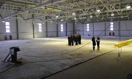 В Трубчевске брянскому губернатору показали скелет ледового дворца