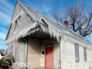 Новозыбковские супруги заживо замёрзли в своём доме