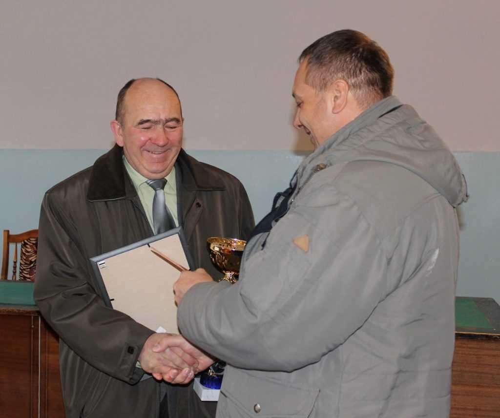 Брянского коммунальщика, спасшего людей от мороза, наградили стихами