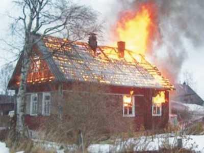 Ночью на Брянщине загорелись два жилых дома