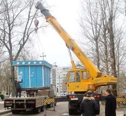 Улицы Брянска очистили от двух диких киосков