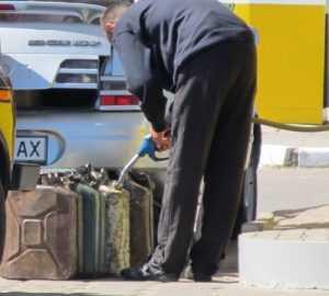 Из Брянской области украинцы стали вывозить бензин
