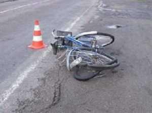 В Дятьковском районе иномарка сбила пенсионерку-велосипедистку