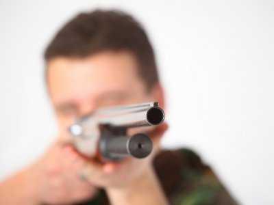 На брянца, стрелявшего в полицейских из ружья, завели дело