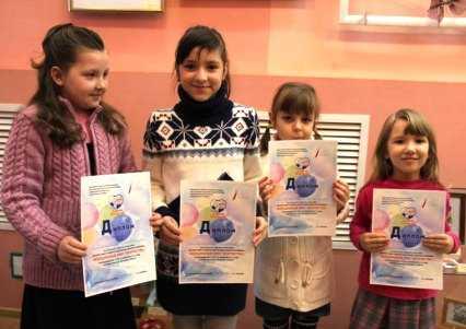 «Добрый журавлик» организовал в Брянске выставку работ онкобольных детей