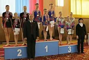Брянские девушки стали призёрами первенства ЦФО по акробатике
