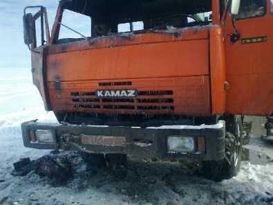 В Брянске на автостоянке загорелся «КАМАЗ»
