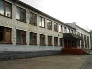 В Брянске  студент расстрелял старшеклассников  возле школы