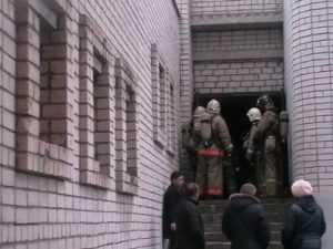 Учеников брянской гимназии эвакуировали из-за дыма