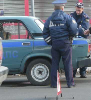 В Брянске на перекрестке встретились автомобили: трое пострадавших