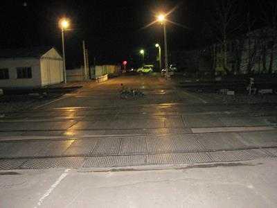 В Навле пьяный мопедист, попав под электричку, убил свою пассажирку