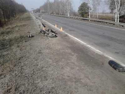 На трассе под Брянском пьяный мотоциклист разбил себе голову