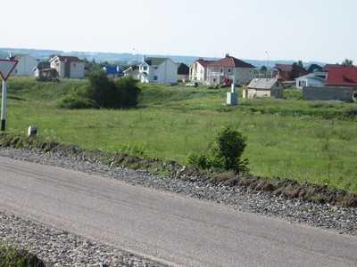 Брянским семьям выделили 1360 участков и подарили выгребные ямы