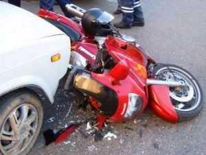 В Брянске подросток-мотоциклист столкнулся с иномаркой