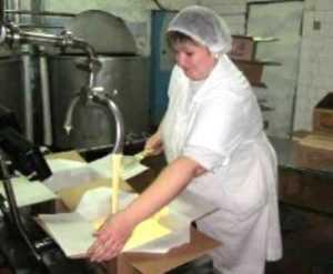 Суд оштрафовал почепских молочников за обман покупателей