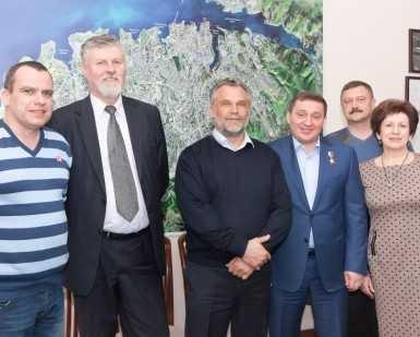 Андрей Бочаров открыл отделения ОНФ в Крыму и Севастополе
