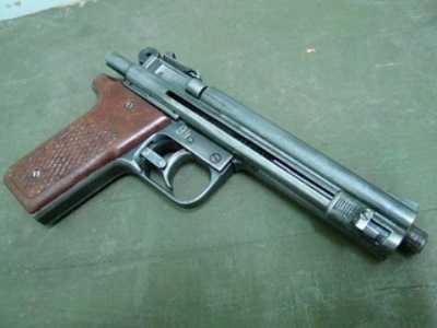 Житель брянского села ответит перед судом за самодельный пистолет