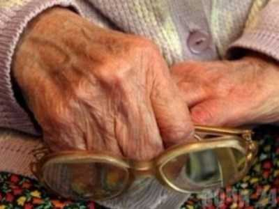 Бывшие зечки обворовали брянскую бабушку