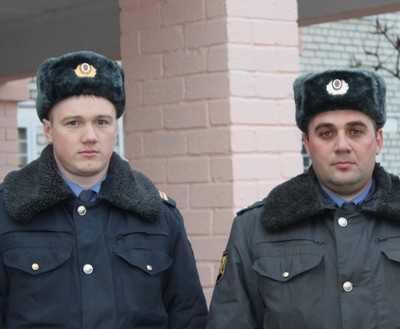 Брянские полицейские уберегли семью во время пожара