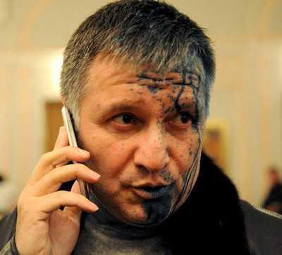 Глава украинского МВД нашел след Путина в Донецке и ищет на Луне