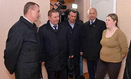 Брянский губернатор побывал в Домашове с братом авторитета и обвиняемым