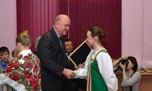 Ирландский посол похвалил заботу о детях вымирающей Брянщины