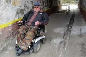Одной правой: Брянский инвалид формирует доступную среду