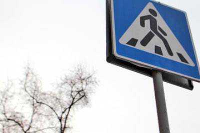 В Брянске автомобилистка сбила на «зебре» женщину и скрылась