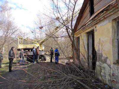 Брянского десятиклассника убила потолочная плита