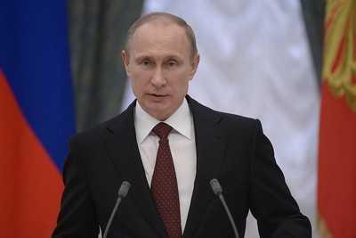 Президент России повысил зарплату себе и председателю правительства