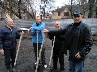 Брянские ополченцы взялись за лопаты