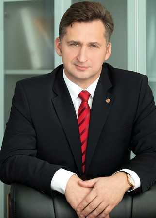 Президент брянского фонда Алексей Невструев попросил два выходных детям